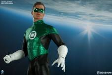 Sideshow Collectibles - Green Lantern Sixth Scale figure - in skyline