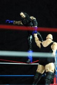 The Undertaker vs King Kong Bundy - about to drop down