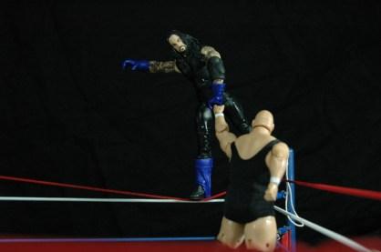 The Undertaker vs King Kong Bundy - arm grab