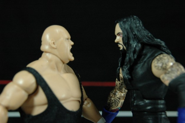 The Undertaker vs King Kong Bundy - face off