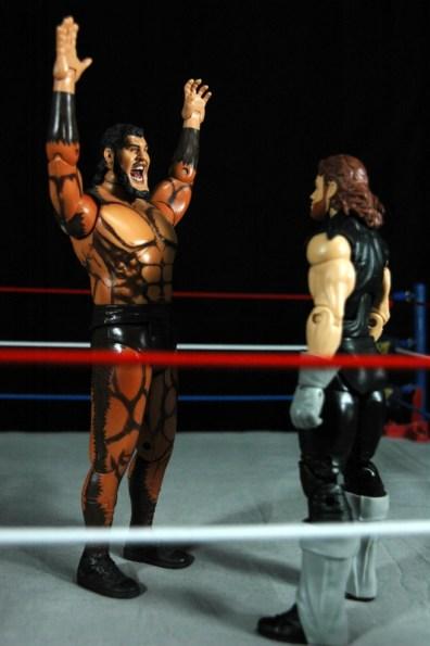 The Undertaker - Wrestlemania The Streak - vs Giant Gonzalez -arms up