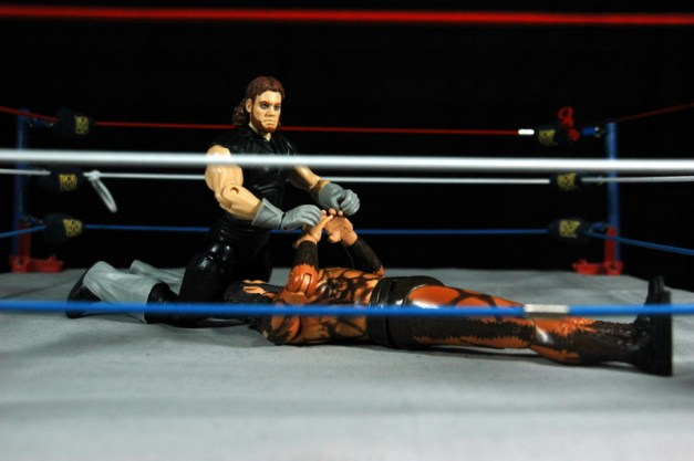 The Undertaker - Wrestlemania The Streak - vs Giant Gonzalez -pin attempt