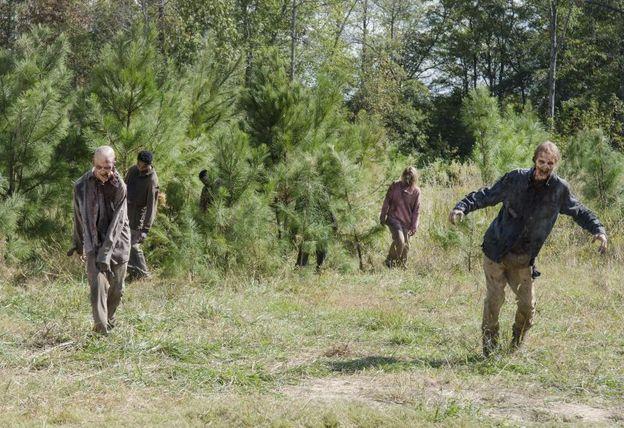 The Walking Dead - Spend - walkers
