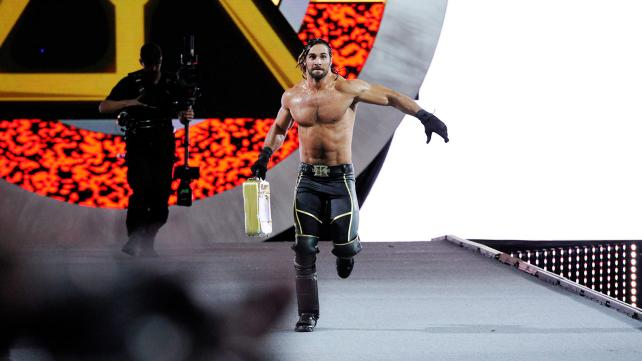 Wrestlemania 31 - Rollins cashes in