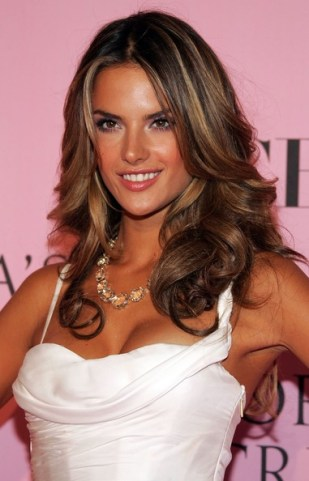 Alessandra-Ambrosio- golden highlights hair