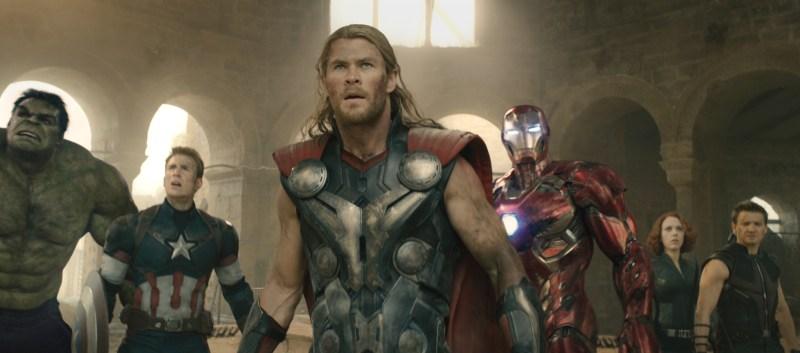 Avengers - Age of Ultron - Hulk, Captain America, Thor, Iron Man, Hawkeye and Black Widow
