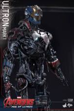 Hot Toys Avengers Age of Ultron - Ultron Mark 1 - side right