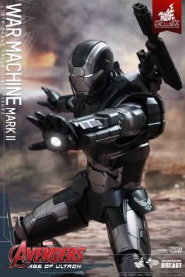 Hot Toys Avengers Age of Ultron War Machine -tight repulsor