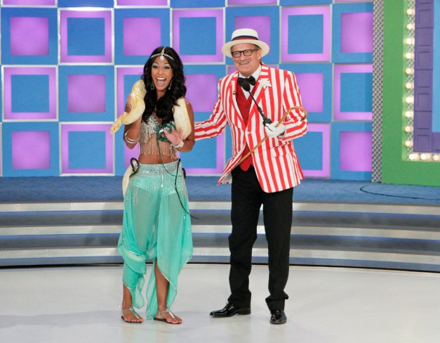 Price is Right model Manuela Arbeláez -as Princess Jasmine with Drew Carey