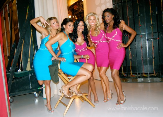 Price is Right model Manuela Arbeláez -with other Price Is Right beauties