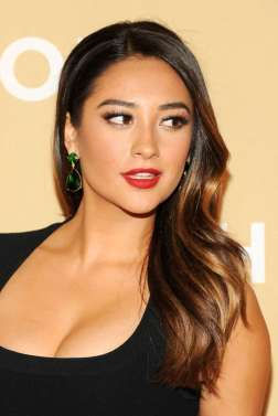 Shay Mitchell - cleavage