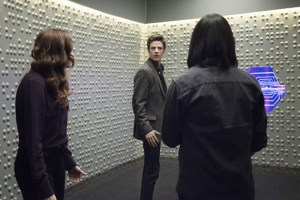the-flash-image-who-is-harrison-wells- caitlin, barry and cisco