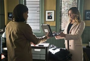 the-flash-image-who-is-harrison-wells-cisco and laurel