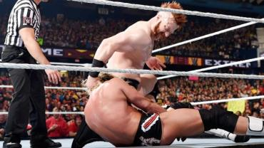 WWE Extreme Rules - Sheamus makes Ziggler kiss his arse