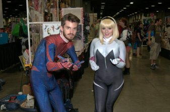 Awesome Con 2015 Day 1 cosplay -Spider-Man and Spider-Gwen