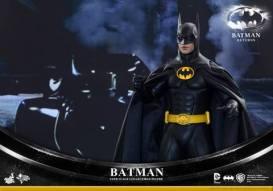 Hot Toys Batman Returns figure - close up Batmobile