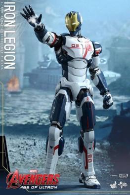 Hot Toys Iron Legion figure - repulsor up
