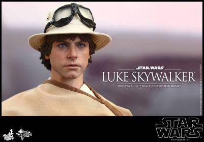 Hot Toys Star Wars Luke Skywalker - ready to board Falcon