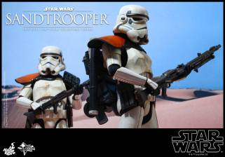 Hot Toys Star Wars Sandtrooper- going on patrol