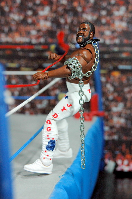 Junkyard Dog figure Mattel WWE Elite 33 - climbing into ring