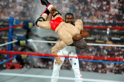 Junkyard Dog figure Mattel WWE Elite 33 - delivering the Thump