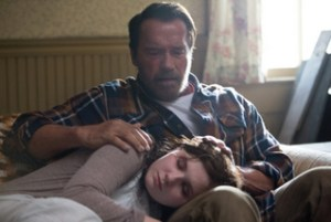Maggie-Movie-Arnold Schwarzenegger and Abigail Breslin