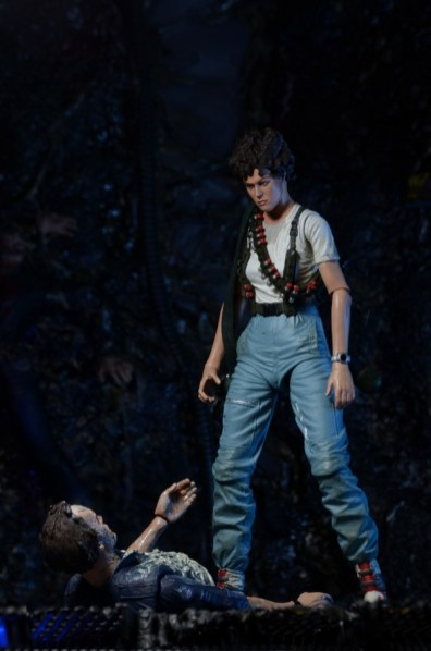 NECA Aliens - Ripley with Bishop