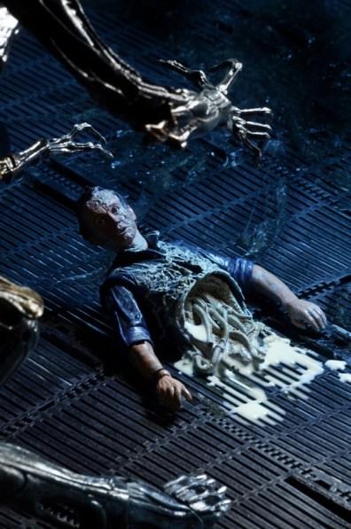NECA Aliens - ripped apart Bishop