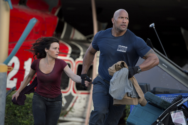 San Andreas -Carla Gugino and Dwayne Johnson