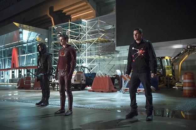 The Flash - Rogue Air - Arrow, Flash and Firestorm