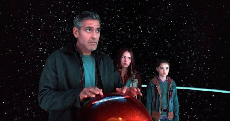 Tomorrowland - George Clooney, Britt Robertson and Raffey Cassidy