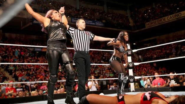WWE Payback -Tamina and Naomi