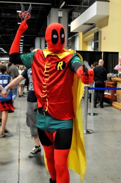 Awesome Con 2015 cosplay Day 2- Deadpool Robin