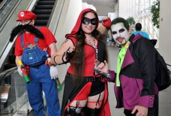 Awesome Con 2015 cosplay Day 2- Mario, Harley Quinn and Joker