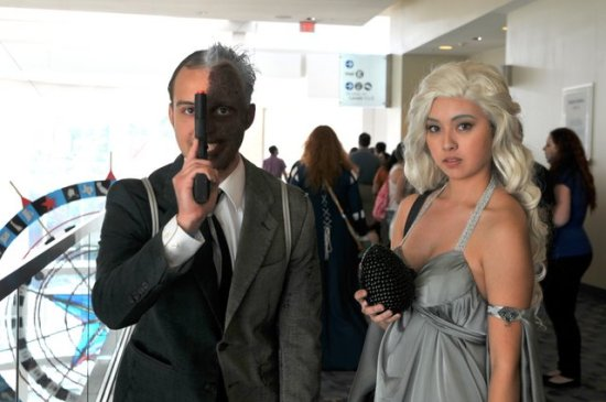 Awesome Con 2015 cosplay Day 2- Two-Face and Dany2