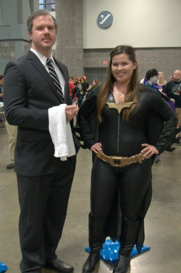 Awesome Con 2015 cosplay Saturday - Alfred and Batwoman