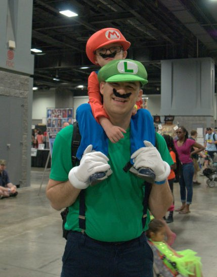 Awesome Con 2015 cosplay Saturday - Mario and Luigi
