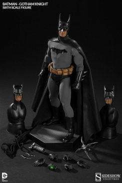 Batman Gotham Knight Sideshow - accessories