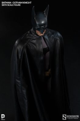 Batman Gotham Knight Sideshow - top down