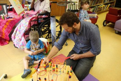 Chris Pratt at Our Lady of the Lake Children's Hospital - playing