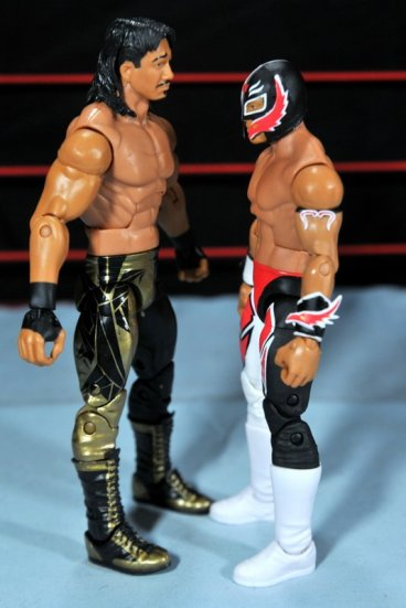 Eddie Guerrero Hall of Fame figure review -face to face with Rey