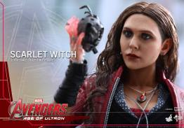 Hot Toys Avengers Age of Ultron Scarlet Witch figure - close up of Ultron heart