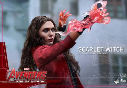 Hot Toys Avengers Age of Ultron Scarlet Witch figure - close up power