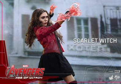 Hot Toys Avengers Age of Ultron Scarlet Witch figure - wide power display