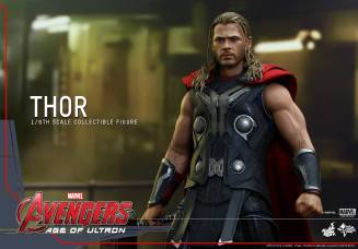 Hot Toys Thor Avengers Age of Ultron figure - wide shot