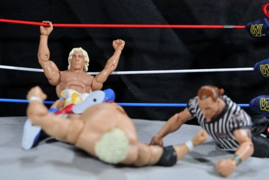 Ric Flair Defining Moments figure review - rope assist on Figure Four