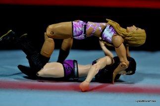 Emma WWE Mattel Basic 30 -Emma lock