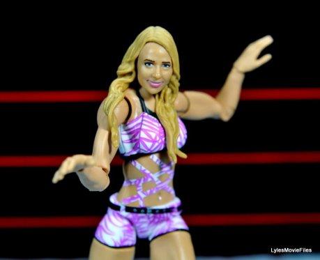 Emma WWE Mattel Basic 30 -signature pose