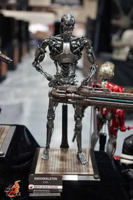 Hot Toys SDCC'15 - Terminator Genisys Exoskeleton