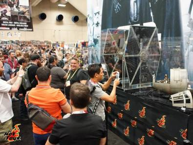 Hot Toys SDCC'15 - Tie Fighter scale